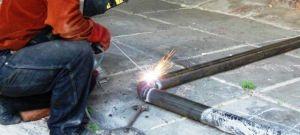 Сварки стальных труб при помощи центраторов и без