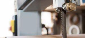Виды устройств для разводки ленточных пил