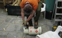 Как безопасно разрезать газовый баллон