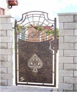 Фото 3 — Комбинированная кованая калитка, изготовленная из листового и объемного металлопроката