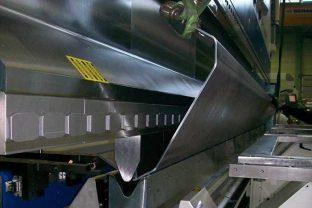 Процесс гибки алюминиевого листа
