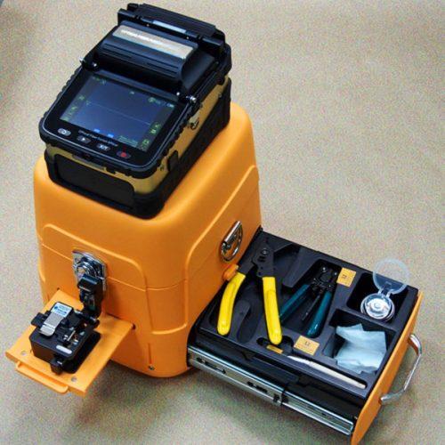 Автоматический сварочный аппарат с набором инструментов