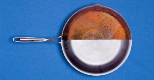 Контраст между оксидированной поверхностью сковороды и не обработанной