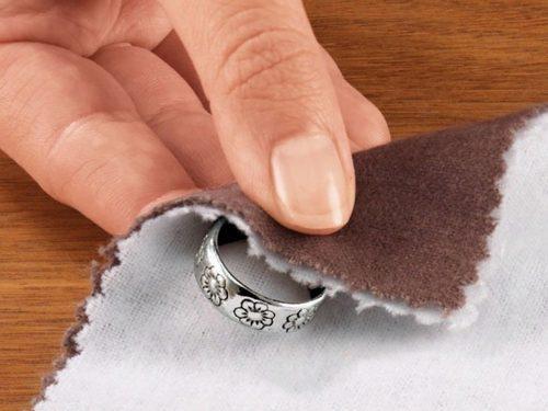 Обработка серебра полировочной бумагой