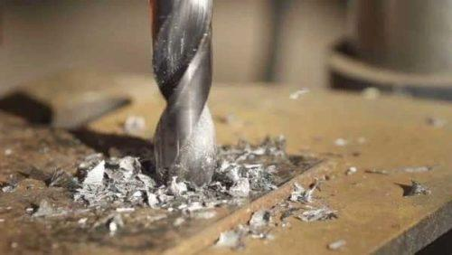 Отверстие с раскаленном металле