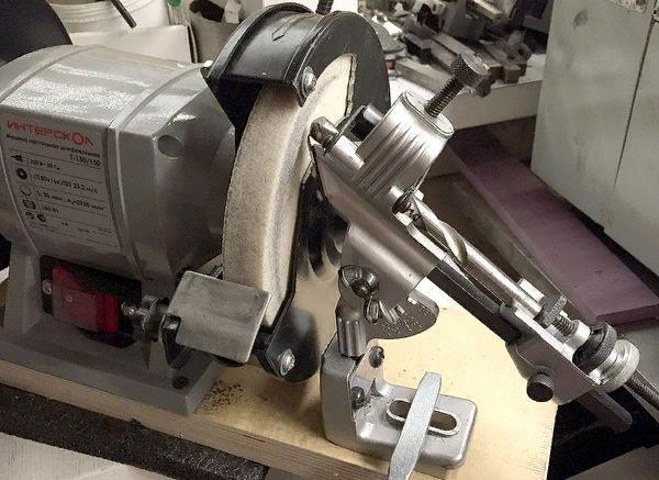 Устройство для заточки сверл британской фирмы Draper Tools