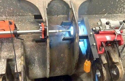 Как расточить отверстие в металле